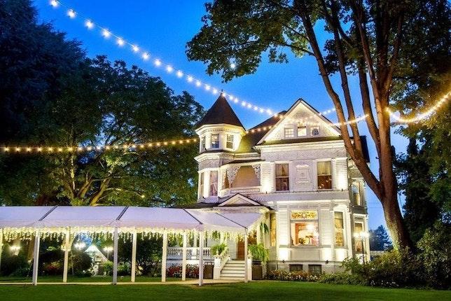 Victorian Belle Portland Weddings Oregon Wedding Venues 97217